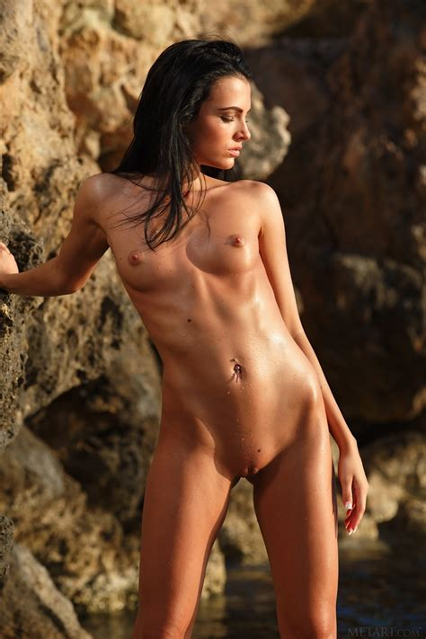 Sapphira A Nude In Photos From Metart