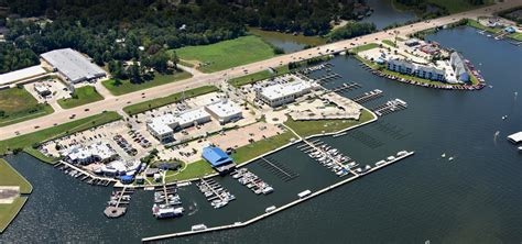 Boat Rentals For Lake Conroe by Lake Conroe Marina With Personality Waterpoint Marina