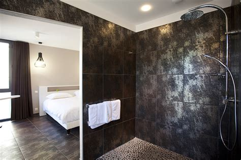 chambre theo et ines chambre deluxe les fleurines hôtel villefranche de