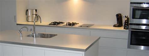 witte keuken met grijs blad grijze keuken wit blad atumre