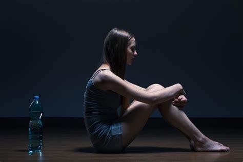 anorexia nervosa symptoms   treatment