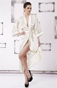 Kimono Long Femme : kimono long en satin cru iga dk kiga e idresstocode ~ Farleysfitness.com Idées de Décoration