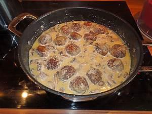 Köttbullar Soße Rezept : putengeschnetzeltes in rahmsauce mit champignon und knoblauch rezepte suchen ~ Buech-reservation.com Haus und Dekorationen