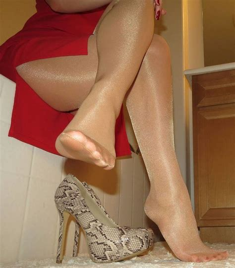 125 Best Pretty Feet In Nylon Images On Pinterest