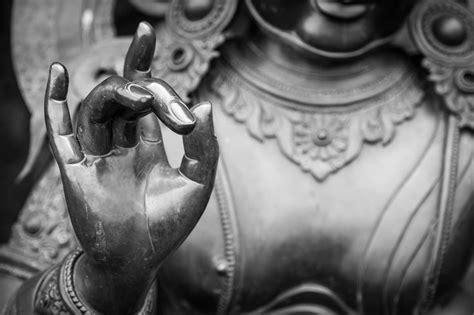 Best 25+ Buddha Statue Meaning Ideas On Pinterest
