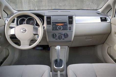nissan tiida 2007 interior 2007 nissan versa overview cars com