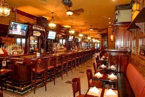 hell s kitchen restaurant nyc discover hell s kitchen in manhattan new york habitat