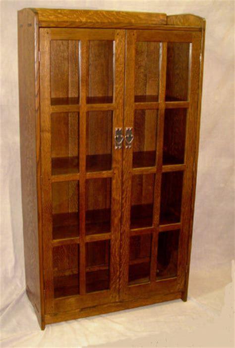 Craftsman Bookcase  By Tenontim @ Lumberjocks