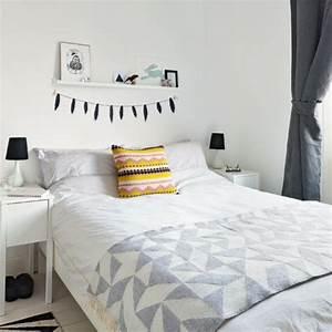 Bilder über Bett : dekoration ber bett ~ Watch28wear.com Haus und Dekorationen