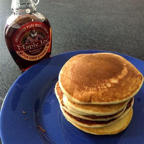 pancakes hervé cuisine pancakes authentiques au sirop d érable ma meilleure