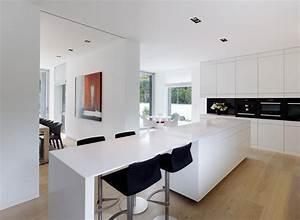 Küche Mit Küchenblock : k chenblock mit integriertem tresen barhocker k ch ~ Markanthonyermac.com Haus und Dekorationen
