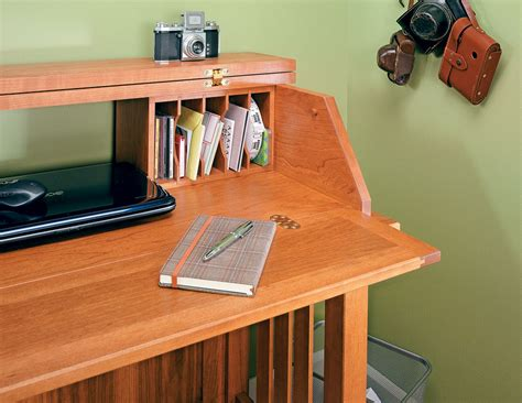 notebook computer desk woodworking project woodsmith plans