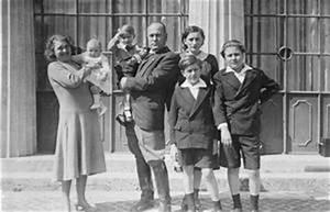 BENITO MUSSOLINI 1883-1945 (HU 8706)