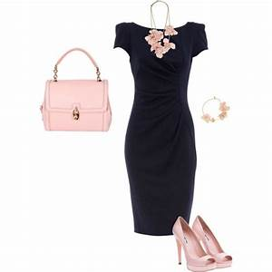 navy dress a navy dress in a traditional silhouette is a With what color shoes to wear with navy dress to wedding