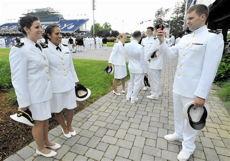 Female midshipmen to wear trousers, not skirts, at ...