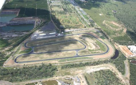 queensland raceway australia glenn scott