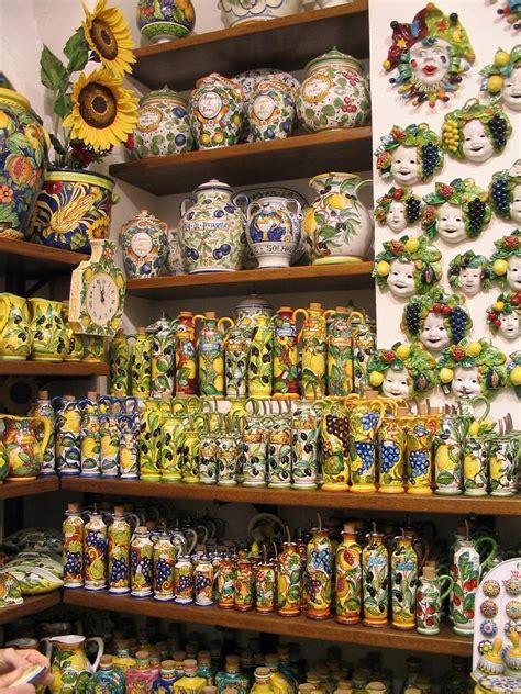 pottery shop in san gimignano tuscany italy pixdaus pottery shop in san gimignano tuscany italy pixdaus