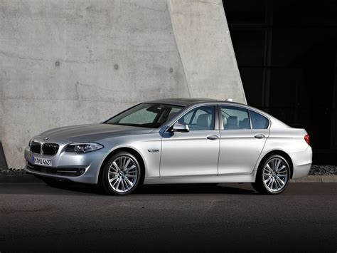 2011 Bmw 550  Price, Photos, Reviews & Features