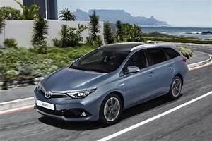 Toyota Auris Break Hybride : in detail vernieuwde toyota auris ~ Medecine-chirurgie-esthetiques.com Avis de Voitures