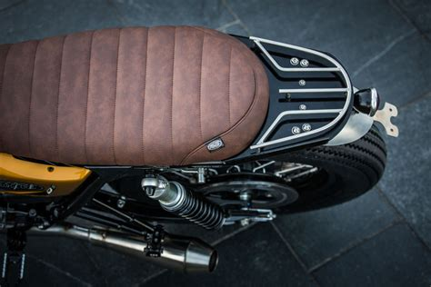 motorcycles  triumph  shortened seat