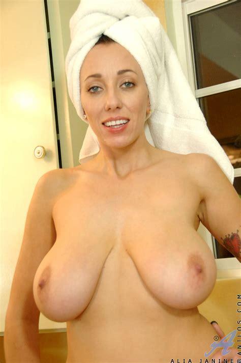 freshest mature women on the net featuring anilos alia janine anilos swinger