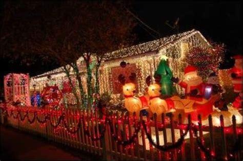 tacky christmas decorations 42 pics izismile com
