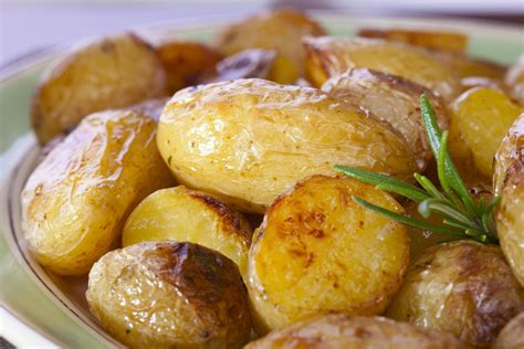 white potato recipes roasted fingerling potatoes with garlic and white truffle oil kitchme