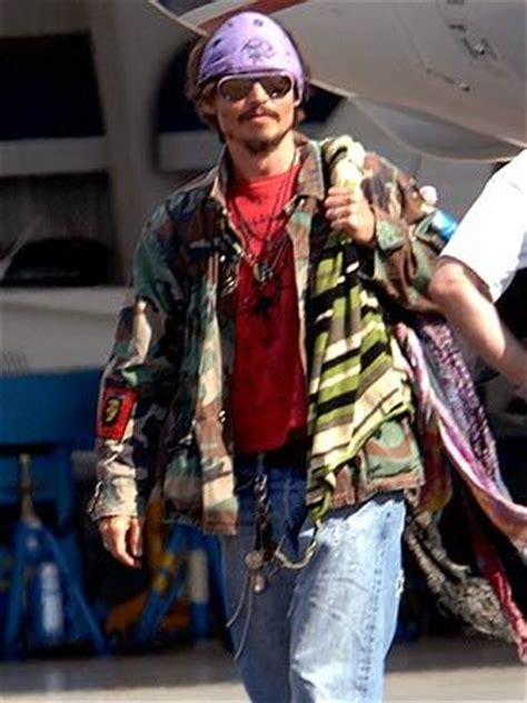 post   weird pic  johnnys outfit johnny depp
