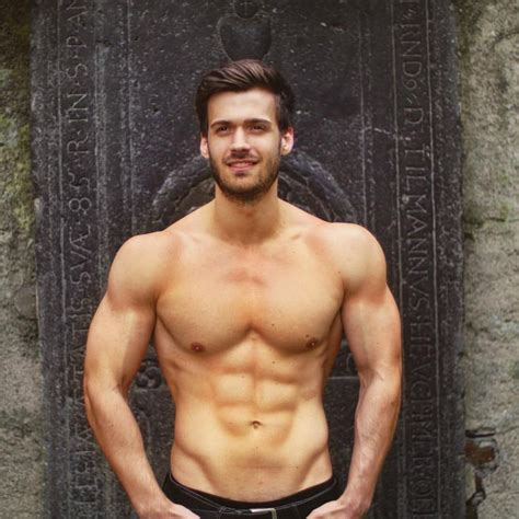 Pin by Thomas Polk on Studly | Muscle mass, Muscle, Muscle men