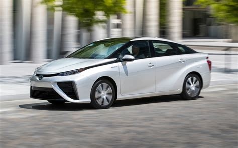 Toyota Surpasses 3,000 Mirai Hydrogen Fuel Cell Vehicle
