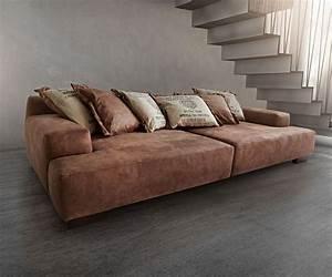 Braunes Sofa Welche Wandfarbe : die besten 25 braunes sofa ideen auf pinterest sofa braun braune couch dekoration und ~ Watch28wear.com Haus und Dekorationen