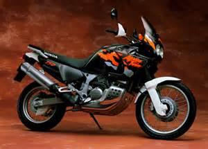 Honda Africa Twin 750 : honda xrv 750 africa twin 1996 fiche moto motoplanete ~ Voncanada.com Idées de Décoration