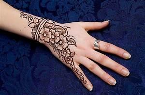 Mehndi Designs For Girls: simple mehndi designs for ...