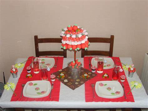 decoration avec des bonbons table bonbons et sucreries arome d 233 coration de table et recette culinaire