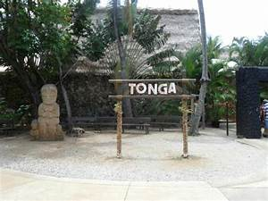 Tongan village entrance - Picture of Polynesian Cultural ...