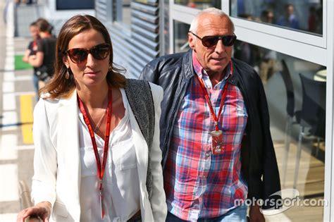 Dietrich Mateschitz, Red-bull-boss, Mit Freundin Marion Feichtner Bei Gp Spanien