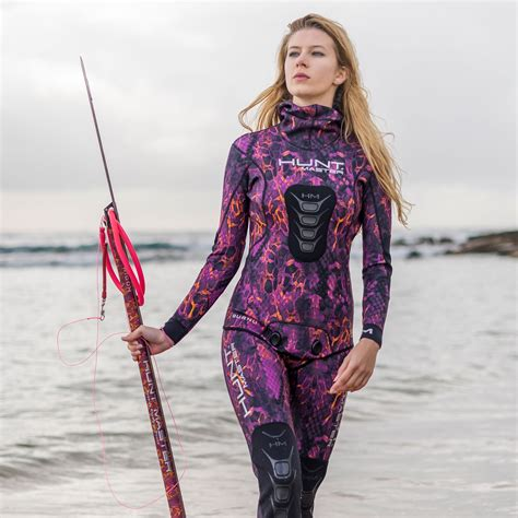 Huntress Wetsuit Camo Series - Pink - Spearfishing Reviews