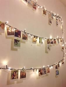 deko idee mit einer lichterkette und vielen fotos With katzennetz balkon mit garden lights lichterkette