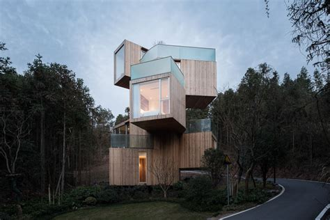 modern treehouse spins degree mountain views curbed