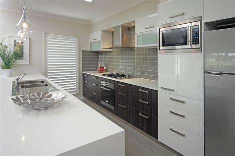 Smart & Sleek Style Kitchen