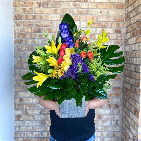 we create flowers that inspire wemakeelpasobloom with