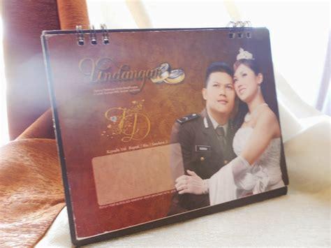 undangan pernikahan kalender meja enha hc