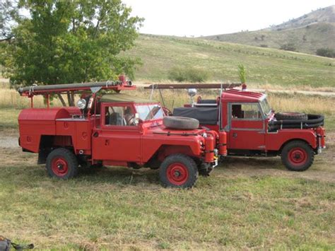 land rover australian fire engines photos group photo of two australian fire