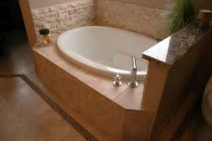 Bathtub Ideas For A Small Bathroom by Small Bathtub Ideas And Options Pictures Tips From Hgtv