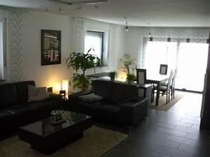 Möbel Wohnzimmer Modern : dunkle m bel wohnzimmer ~ Buech-reservation.com Haus und Dekorationen