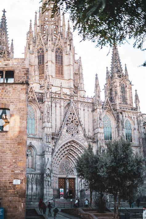 The 79 Best Things to do in Barcelona, Spain (& What to Skip)