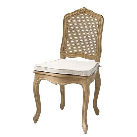 chaise en chene chaise cannée en chêne massif gustavia maisons du monde