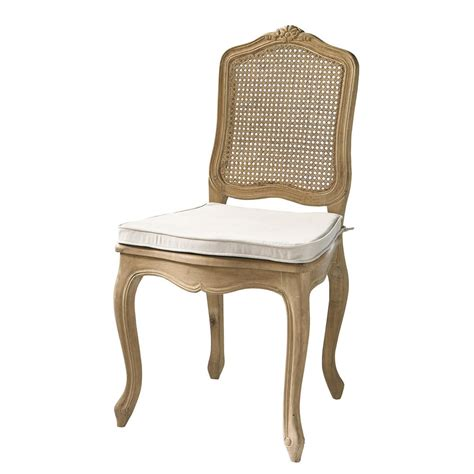 chaise chene massif chaise cannée en chêne massif gustavia maisons du monde