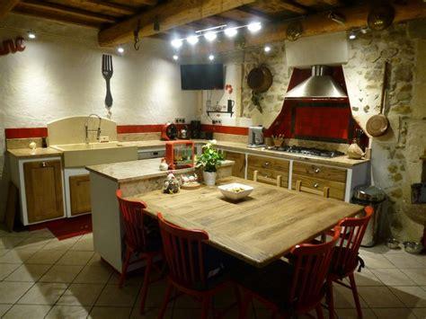 cuisiniste gard cuisine cagnarde cuisiniste gard ilot central table