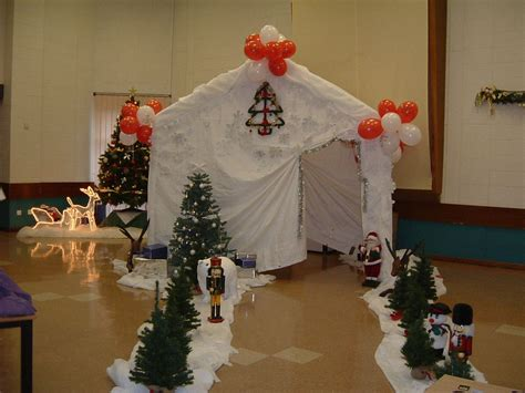 christmas   special   gala tent santas